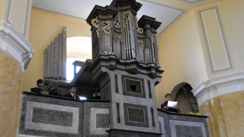 Varhany v kostele sv. Martina v Chrašicích