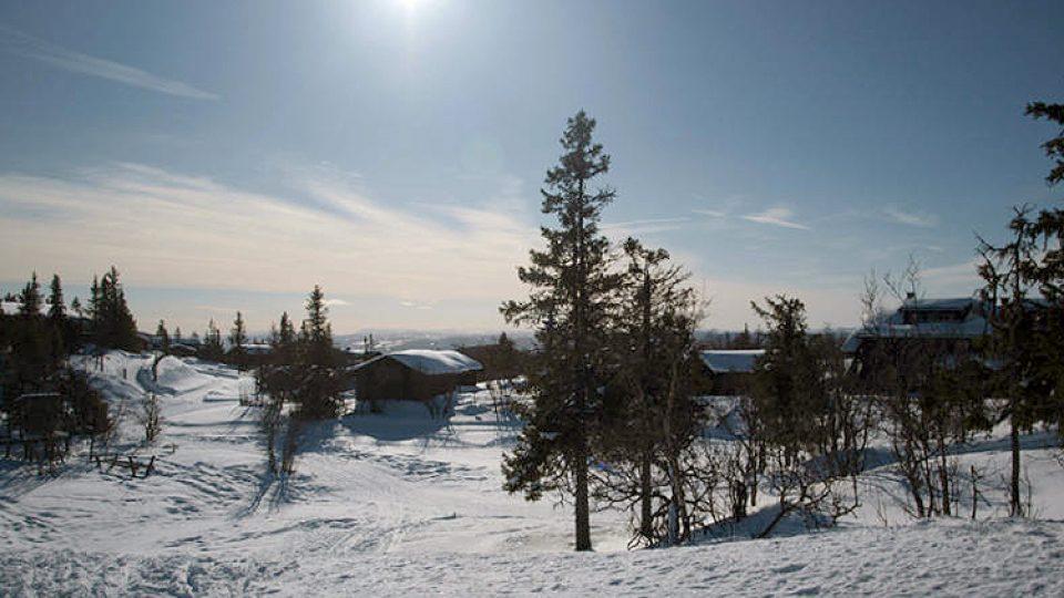 Norská zasněžená krajina láká nejen ke sportovním výkonům, ale také k romantickým procházkám