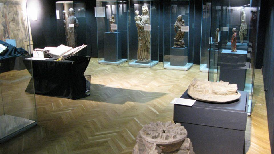 Trezorová místnost Ostravského muzea s dílem Mistra Michelské madony