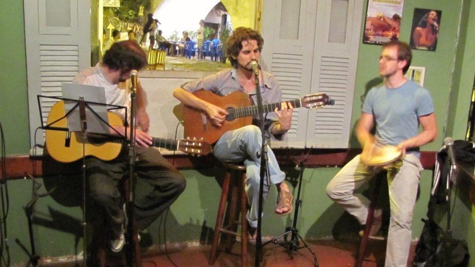 Lapu považují za neobyčejné místo i mladí hudebníci Tiago, Edu a Sérgio