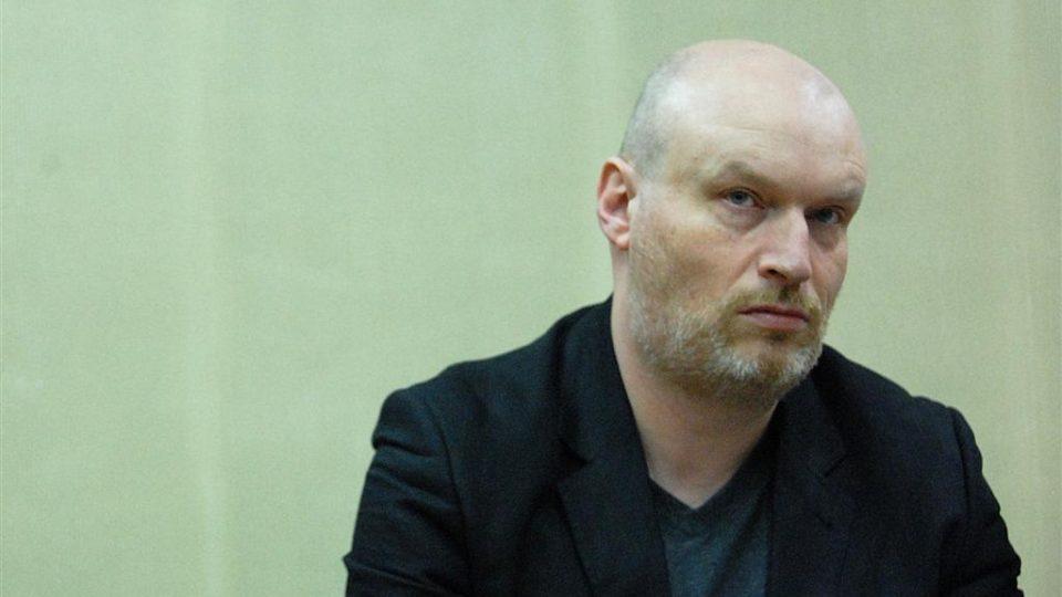 Mark Ravenhill na tiskové konferenci v Divadle Komedie