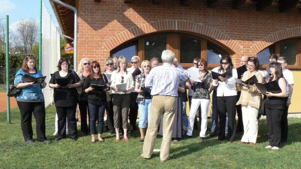 Zazpíval sbor Chorus Laneum