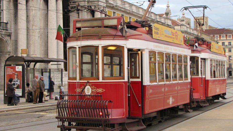 Jakýsi pluh před tramvají měl zabránit pádu člověka pod vůz
