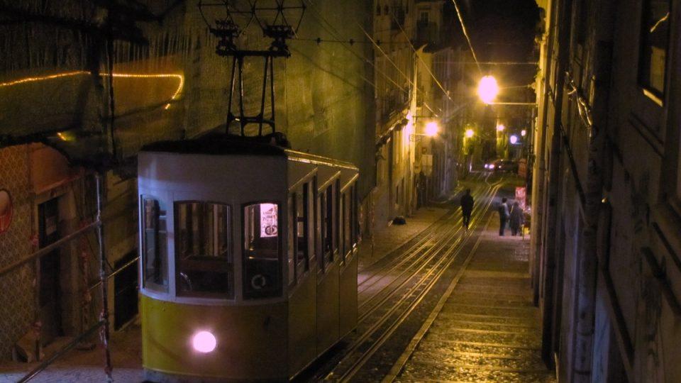 Horní stanice lisabonské pozemní lanovky Ascensor da Bica