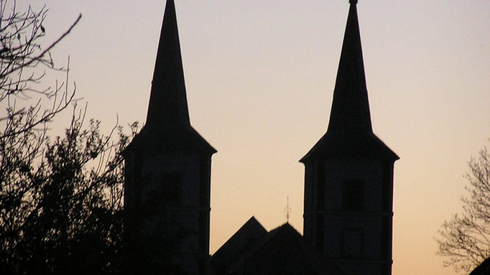 Kostel sv. Markéty v Podlažicích na podzim