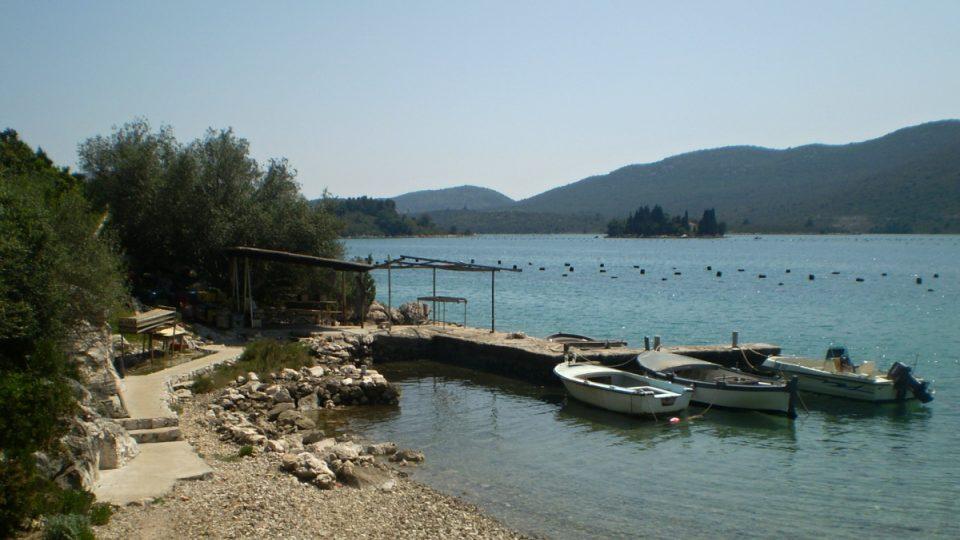 Nikšovo pracoviště v chorvatské osadě Mali Voz u paty poloostrova Pelješac