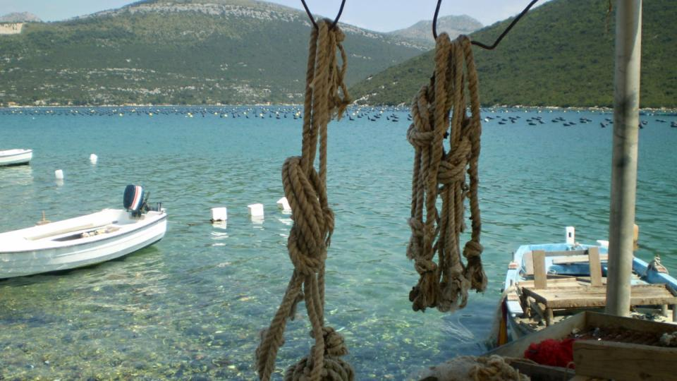 Pelješacký záliv, kde leží Nikšova farma, není rájem jen pro milovníky plodů moře