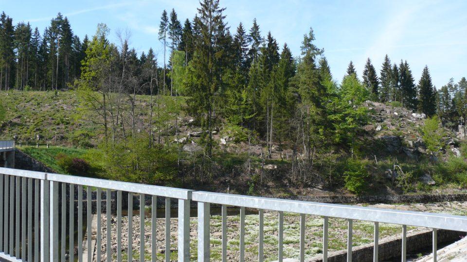 Soběnovská přehrada v údolí řeky Černé