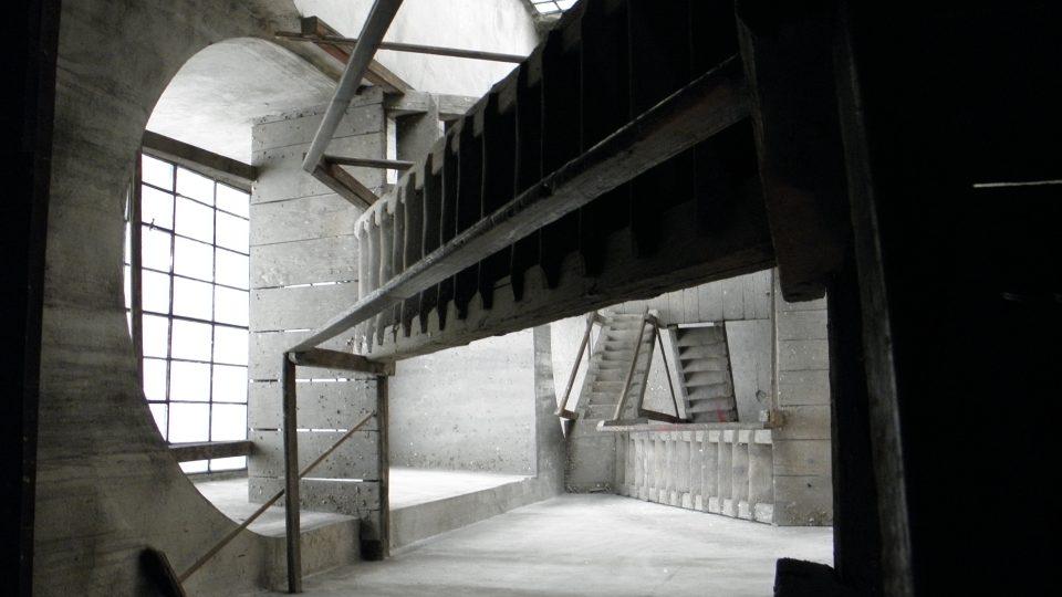 schody na krovy a věž