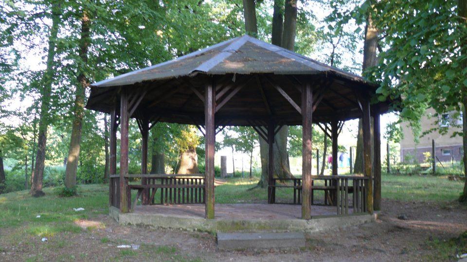 Altán ve Weisserově parku