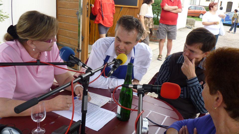 Z cíle se také živě vysílal pořad Rendez-vous s Marcelou (Vandrovou)