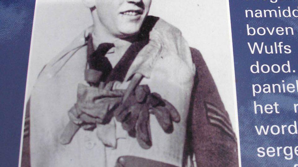 Karel Pavlík spadl se svým letadlem při boji u francouzského Lille
