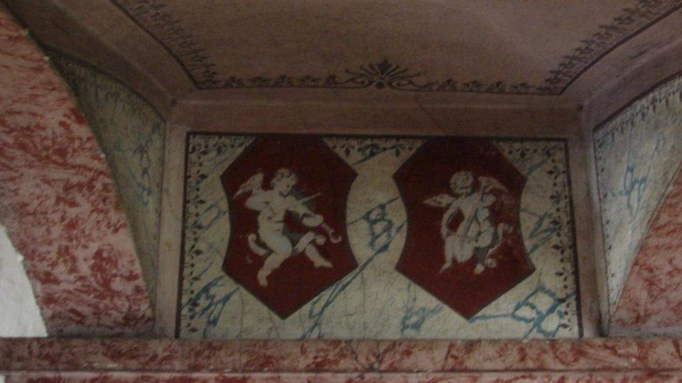 Semínský zámek s pivovarem - malba chodby v prvním patře