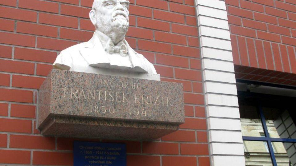 Den první - Busta Fr. Křižíka, ulice Nitranská, Praha 2