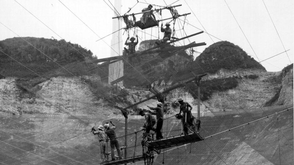V červenci 1963 zbývaly do dokončení radioteleskopu už jen čtyři měsíce