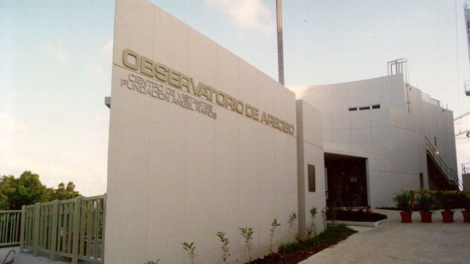 Observatoř leží asi 20 kilometrů od portorického města Aceribo