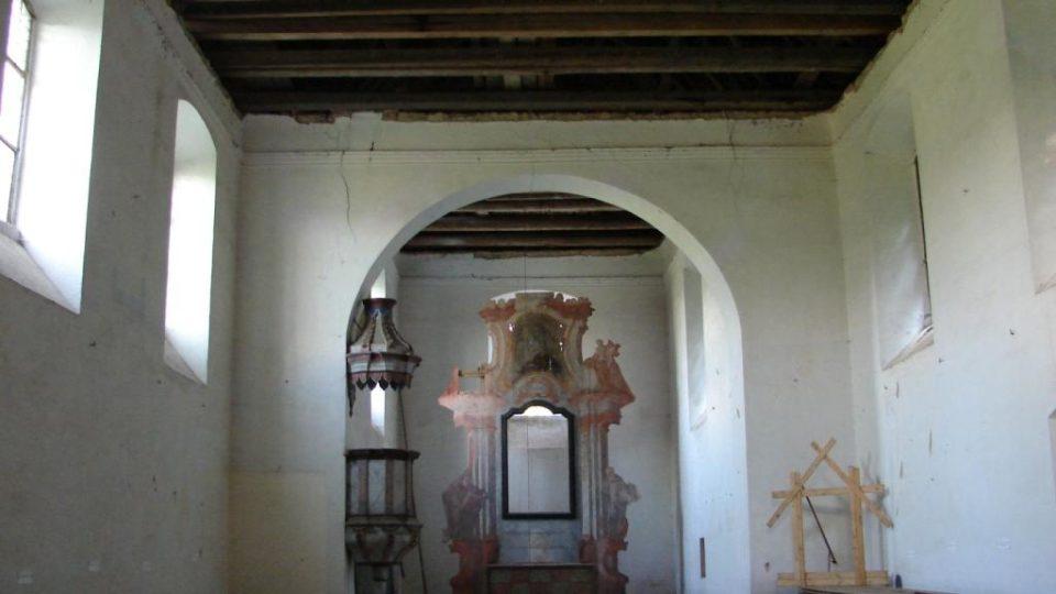Kostel Zvěstování Panny Marie v Janovičkách - interiér