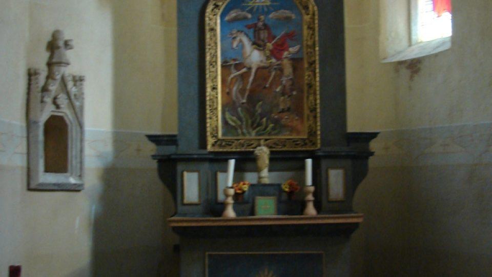 Kostel Svatého Martina - oltář s obrazem Zdeňka Sejčka