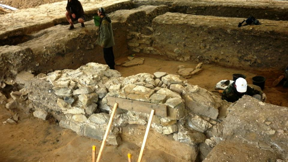 Základy velkomoravské baziliky začali archeologové znovu odkrývat po pětapadesáti letech
