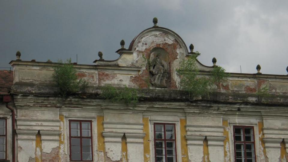 Zámek Biskupice u Jevíčka - anděl strážný