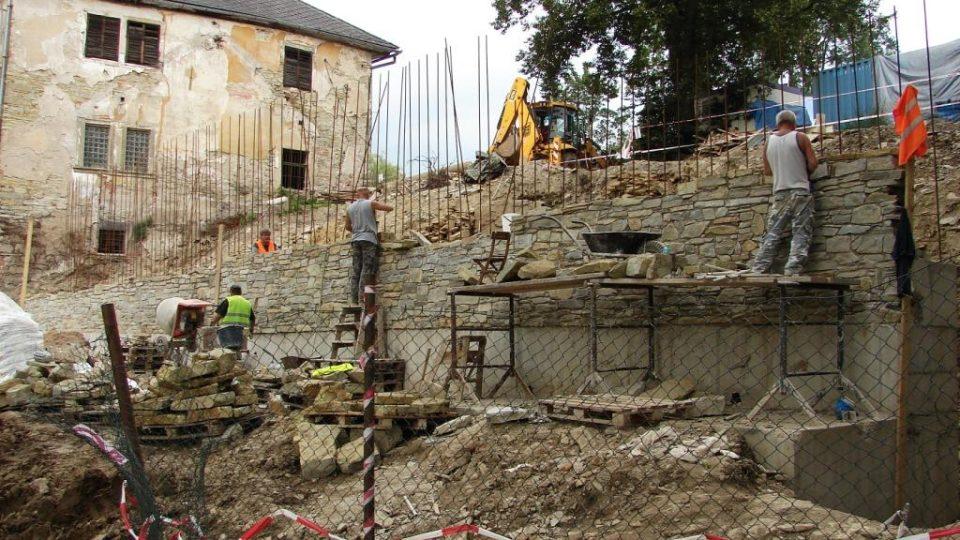 Zámek Orlice u Letohradu - probíhající přestavba areálu