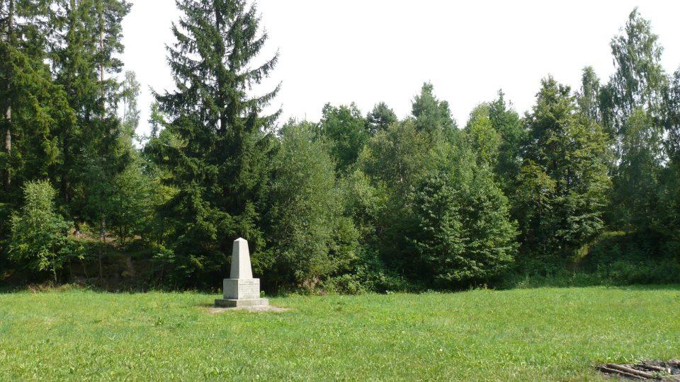 Locus Perennis se nachází na planině 1 kilometr nad Lišovem