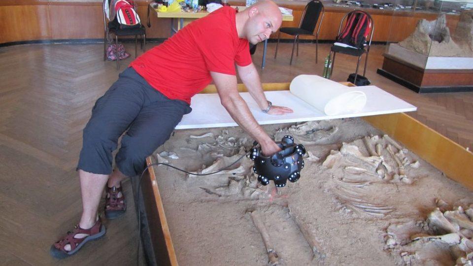 3D skenování hrobu