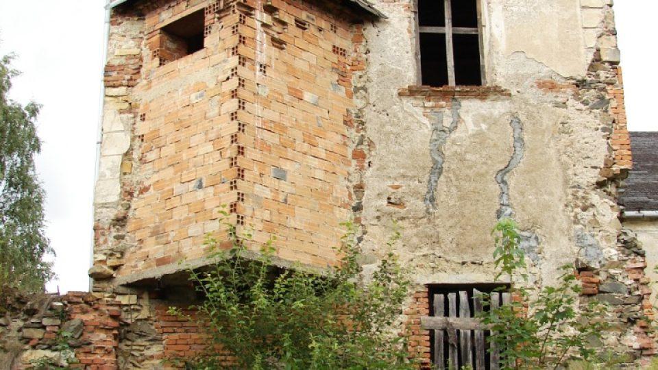 Zámek Vranová Lhota - novodobá přístavba