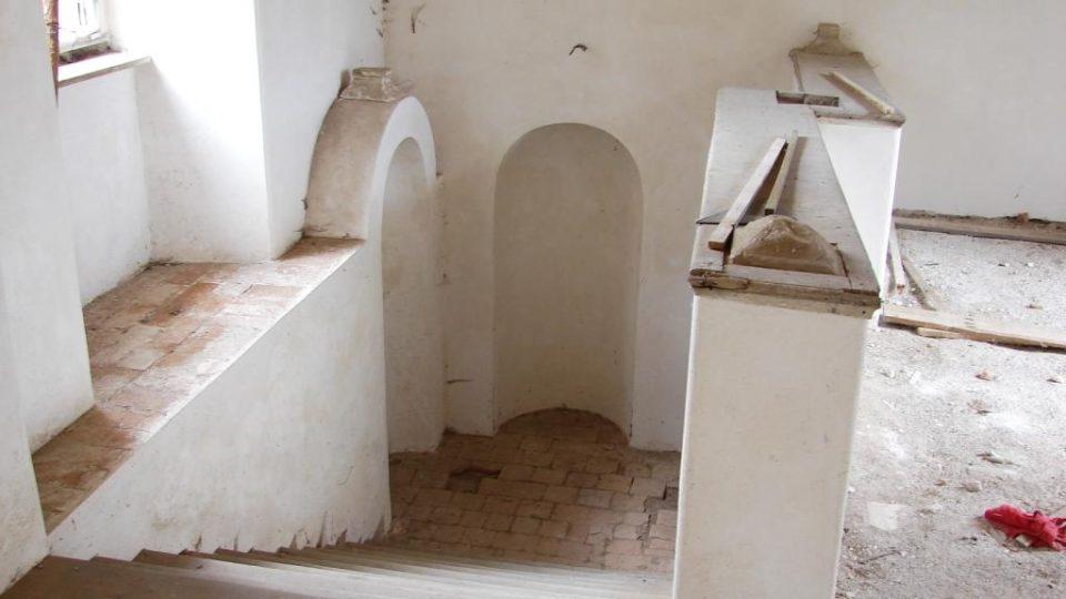 Zámek Vranová Lhota - zdobené barokní schodiště