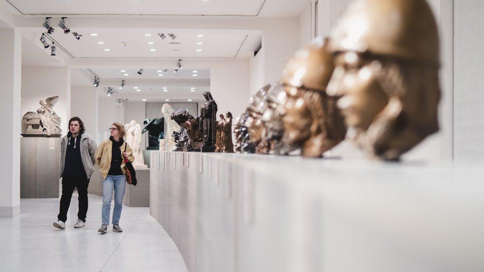 Umění dlouhého století. Národní galerie Praha otevřela novou expozici ve Veletržním paláci