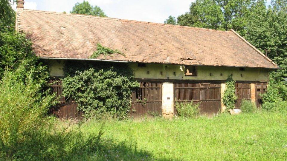 Fara ve Svinčanech - hospodářská budova