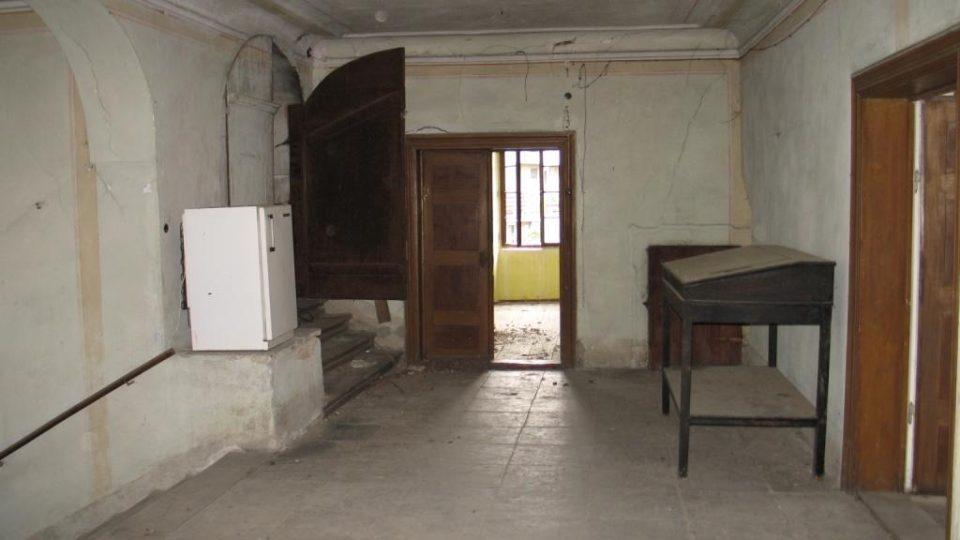 Fara ve Svinčanech - síň v prvním patře