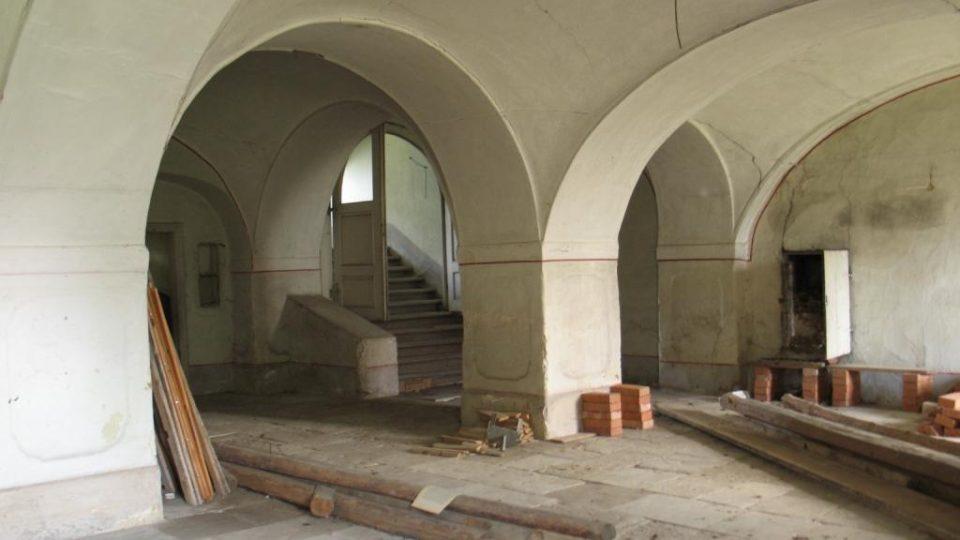 Fara ve Svinčanech - vstupní síň v přízemí
