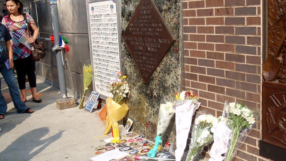 Jeden z památníků obětí z 11. září 2001 na Ground Zero