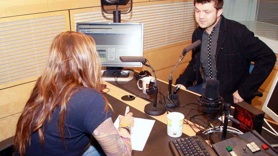 Ředitel Českého centra v Tokiu Petr Holý s moderátorkou Lucií Výbornou