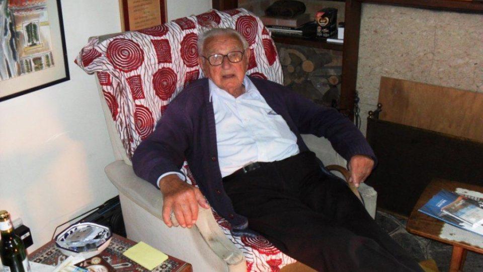 Sir Nicholas Winton u sebe doma v Maidenheadu