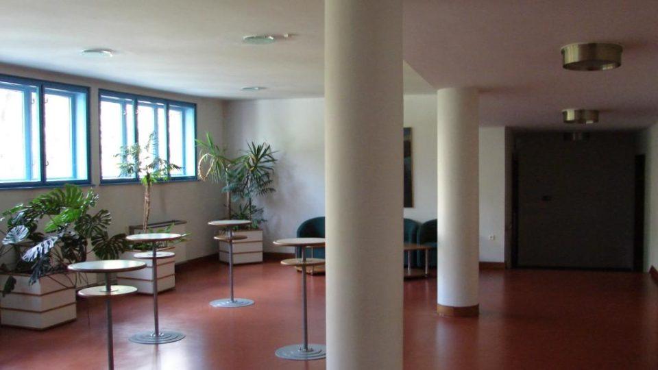 Divadlo Karla Pippicha v Chrudimi - pohled na foyer