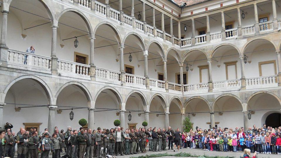 Mezinárodní setkání sokolníků na zámku v Opočně