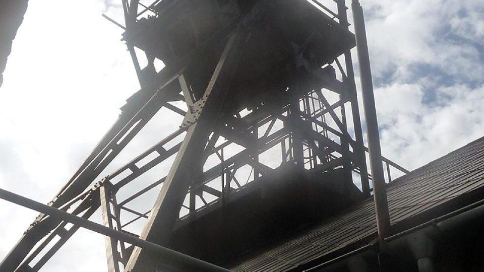 Důlní věž je dnes součástí muzea