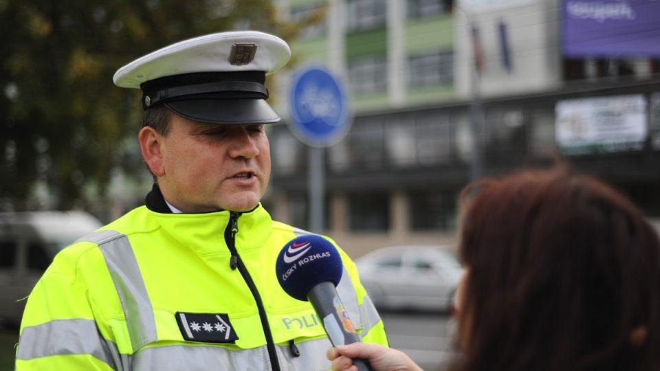 Celostátní soutěž dopravních policistů - ředitel dopravní policie Leoš Tržil odpovídá redaktorce Drahomíře Bačkorové