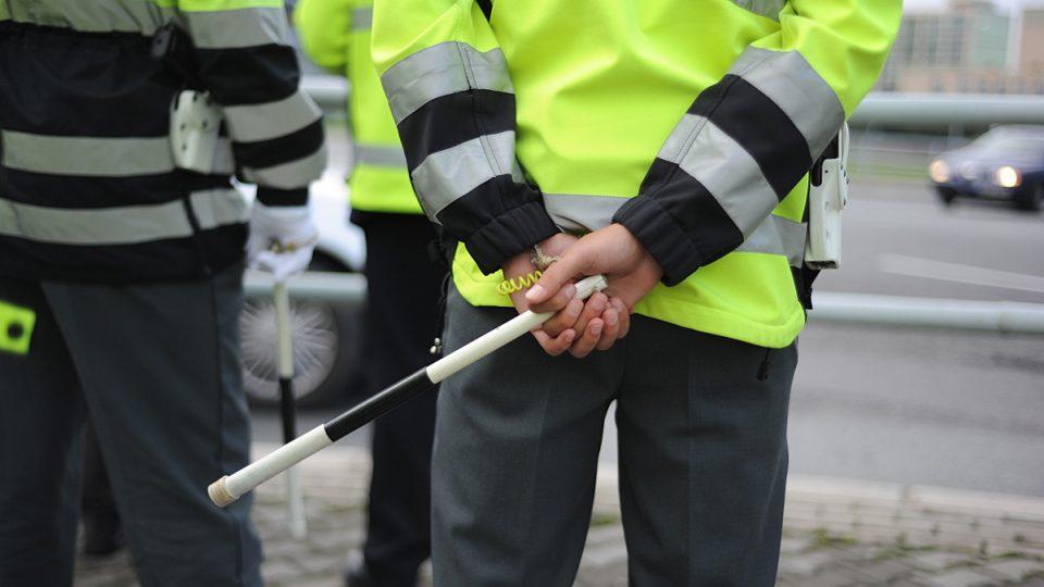 Regulka a píšťalka - bez nich to při řízení křižovatky nejde