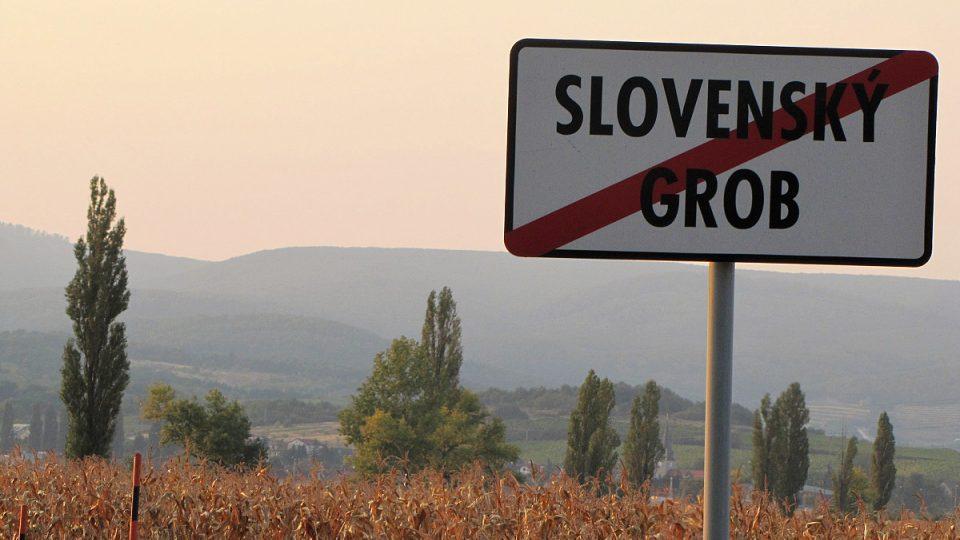 Obec Slovenský Grob leží nedaleko Bratislavy