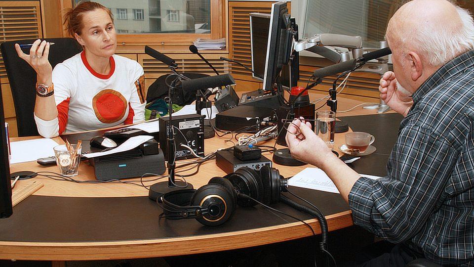 Lucie Výborná s Karlem Čáslavským ve studiu