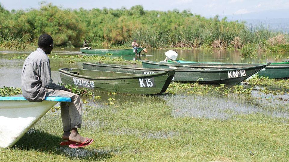 Rybáři a jejich rodiny jsou na jezeru závislí