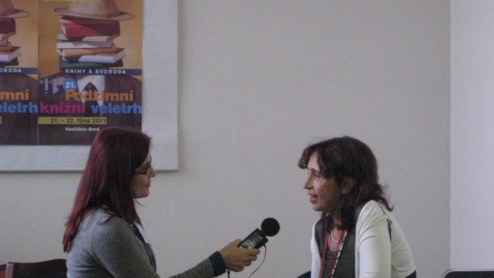 Alena Blažejovská při rozhovoru s Markétou Hejkalovou