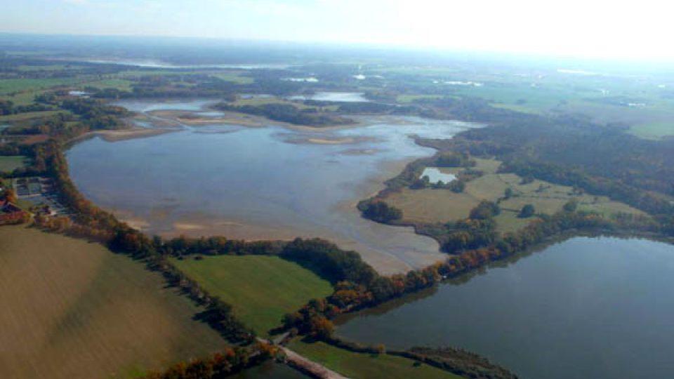 U Lomnice nad Lužnicí jsou i další rybníky - Velký Tisý a Koclířov
