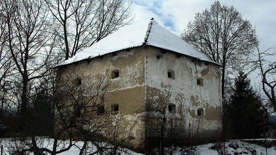 Kaštěly začaly v Liptovském Jánu vznikat jako sídla nižší maďarské šlechty