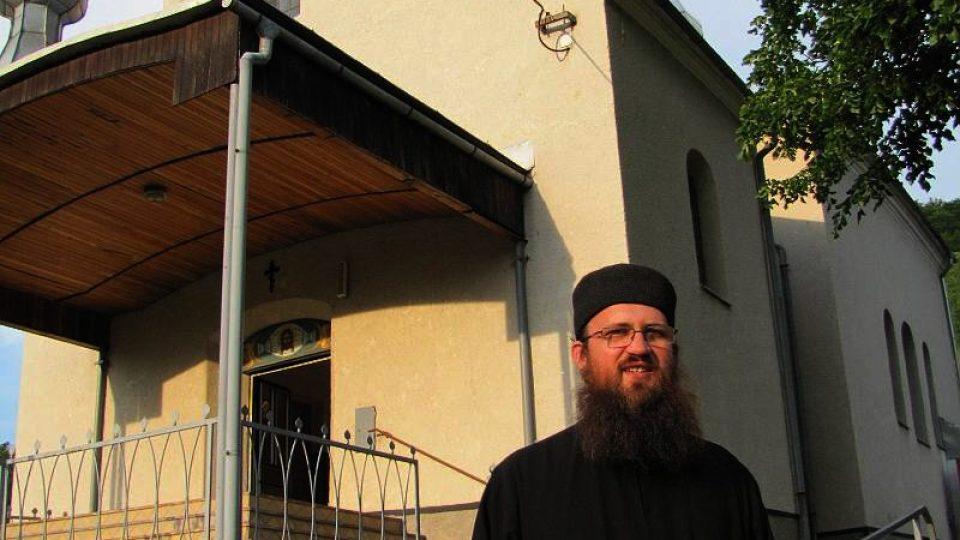 Pravoslavný kněz Peter Soroka je jednou z hvězd filmového dokumentu o Osadném