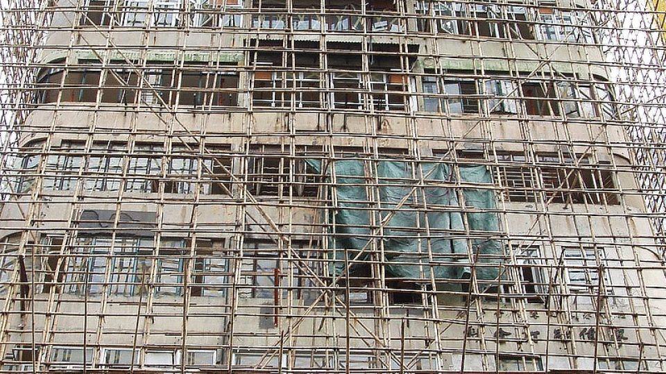 V Hongkongu jsou výškové budovy oblíbené, proto není divu, že se 1900 pavoučích mužů uživí
