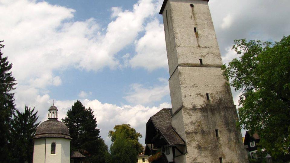 Kaplička byla postavena na památku původního kostela, v němž byla poprvé zahrána Tichá noc